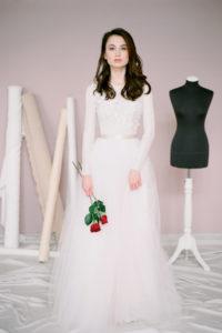 Кружевное свадебное платье с вышивкой Эми от Миламира