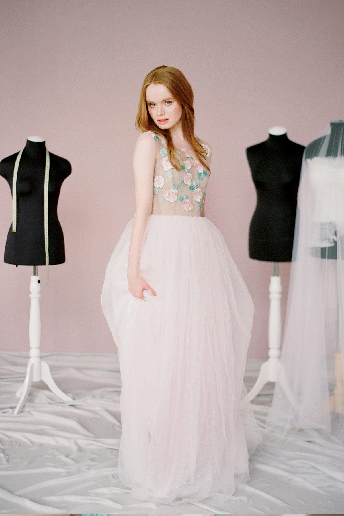 Расшитое цветами свадебное платье Долорес от Миламира