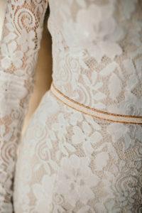 Элегантное кружевное свадебное платье прилегающего силуэта Laguna от Миламира