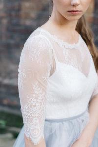 Кружевное свадебное платье с рукавами три четверти Shadow Spirit от Миламира