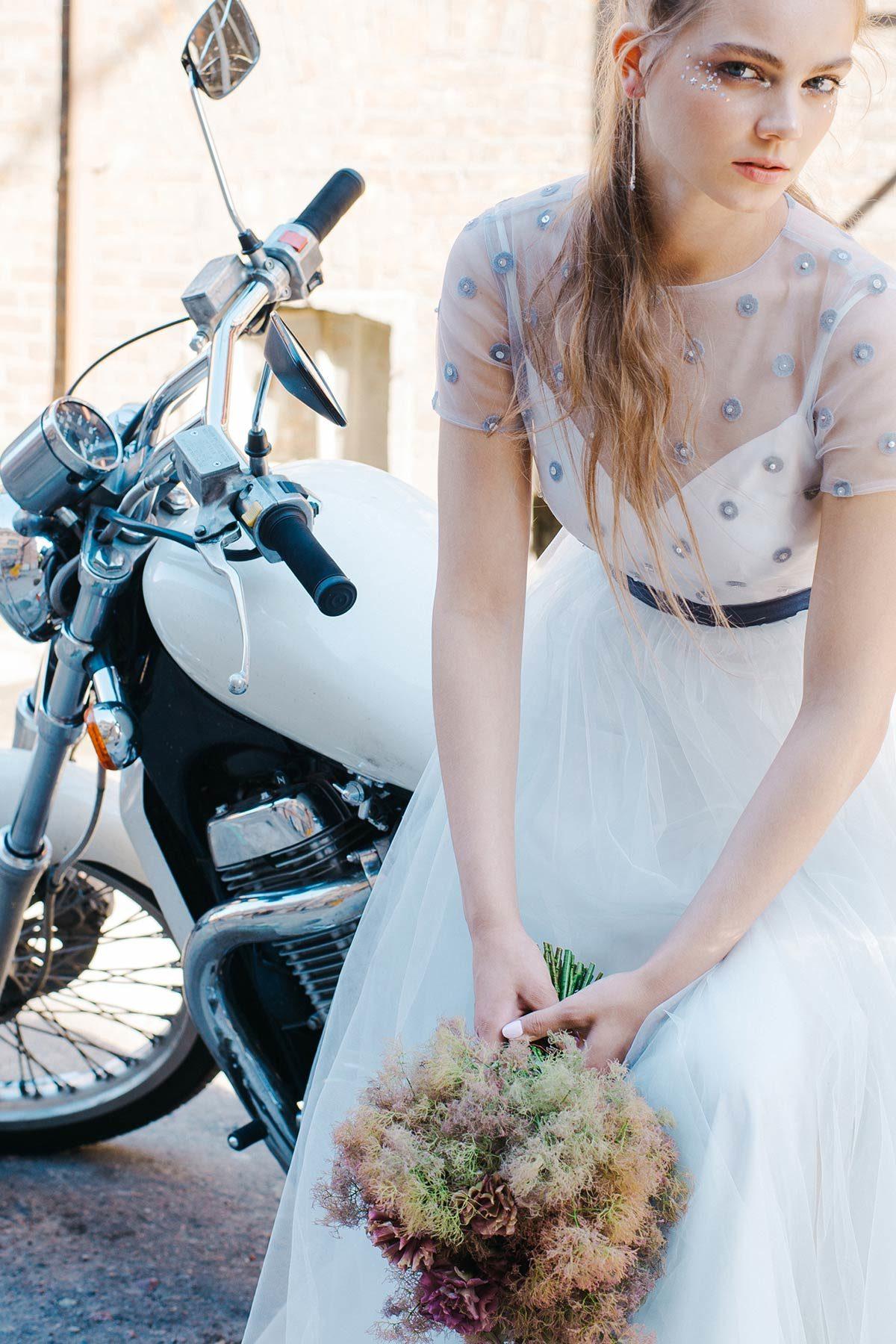 Свадебное платье из фатина с горошком Silver Wing от Миламира