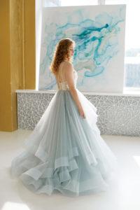 Пышное женственное платье с каскадной юбкой Fjorgyn от Миламира