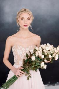 Свадебное платье с вышивкой на корсаже Анисия от Миламира